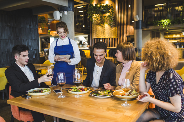 Five Questions To Ask in a Restaurant Customer Experience Survey